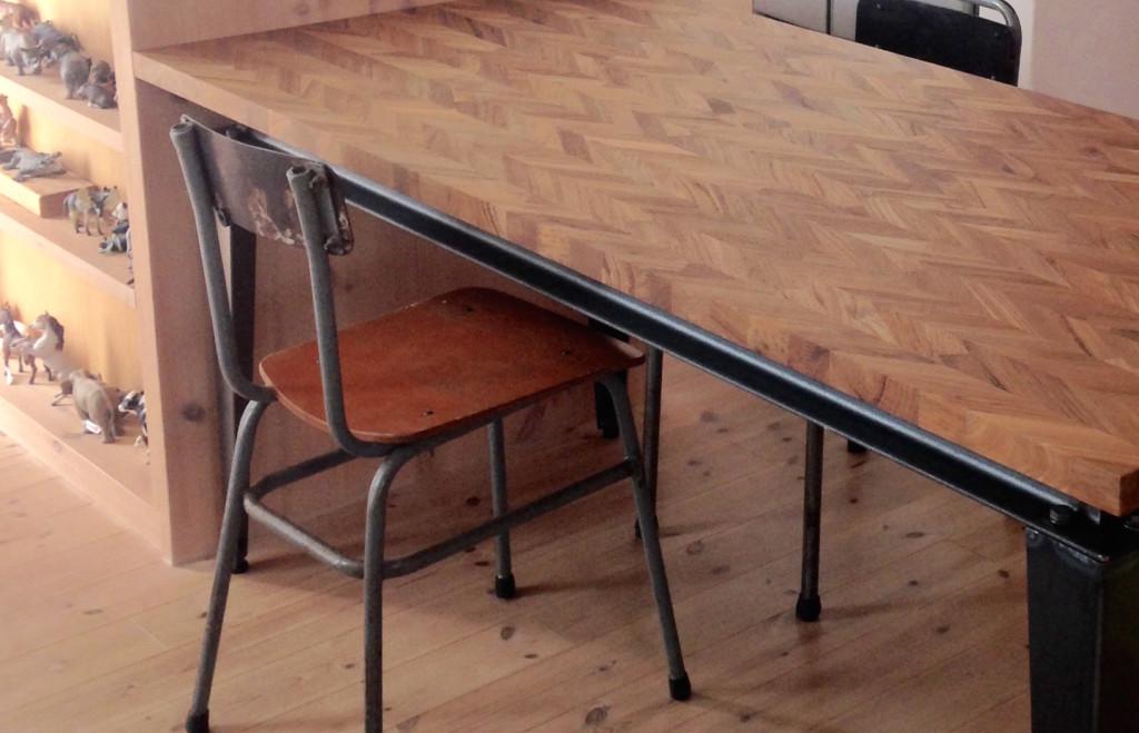 組み木テーブル
