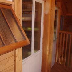 本棚と古建具で仕切り子供部屋を作るプチリフォーム