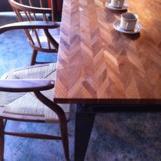 チーク無垢材 オーダー組み木ダイニングテーブル