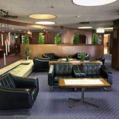 中日ビルで愛用されてきた60年代のレトロモダンな家具たちが入荷します。