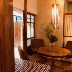 老舗かき氷店「澤田商店」さんの家具を納品しました
