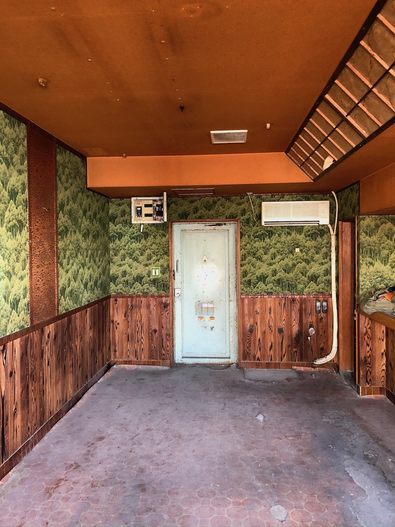 レトロ美容室改装前